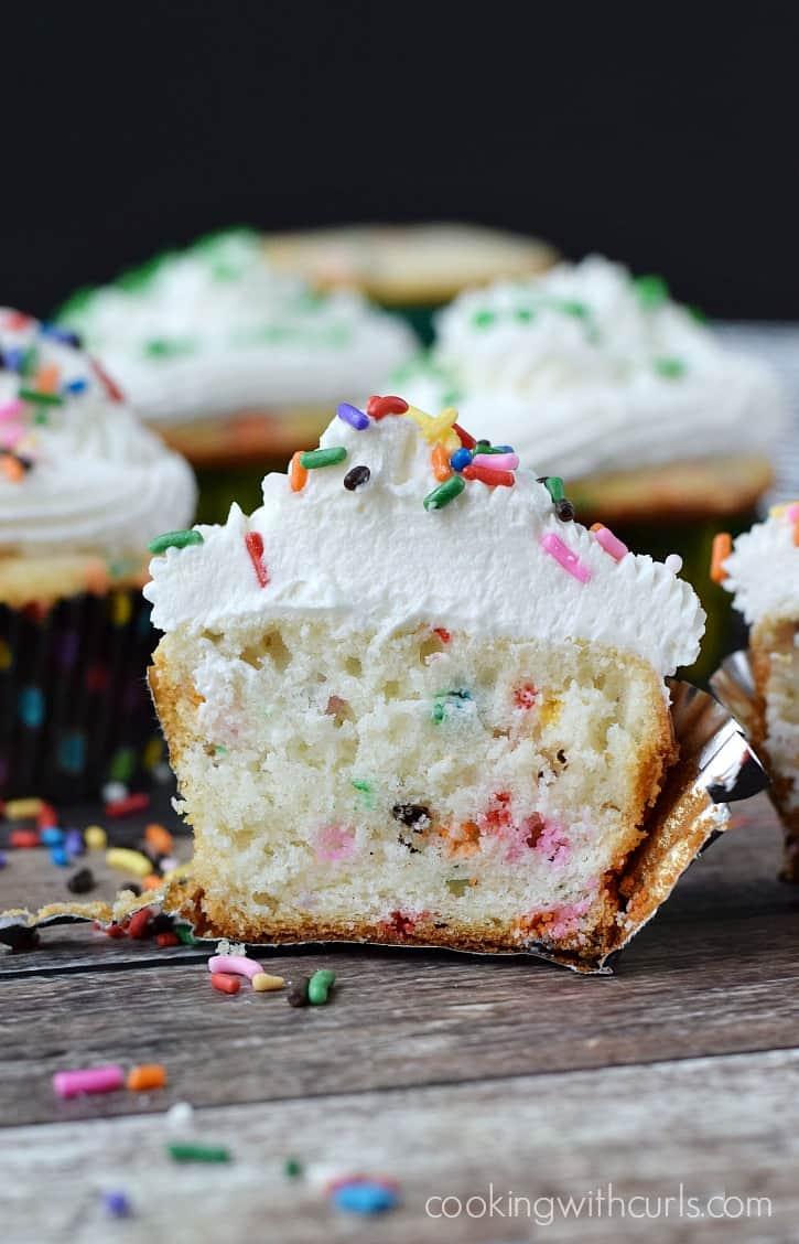 Homemade Funfetti Cupcakes - a peek inside  cookingwithcurls.com