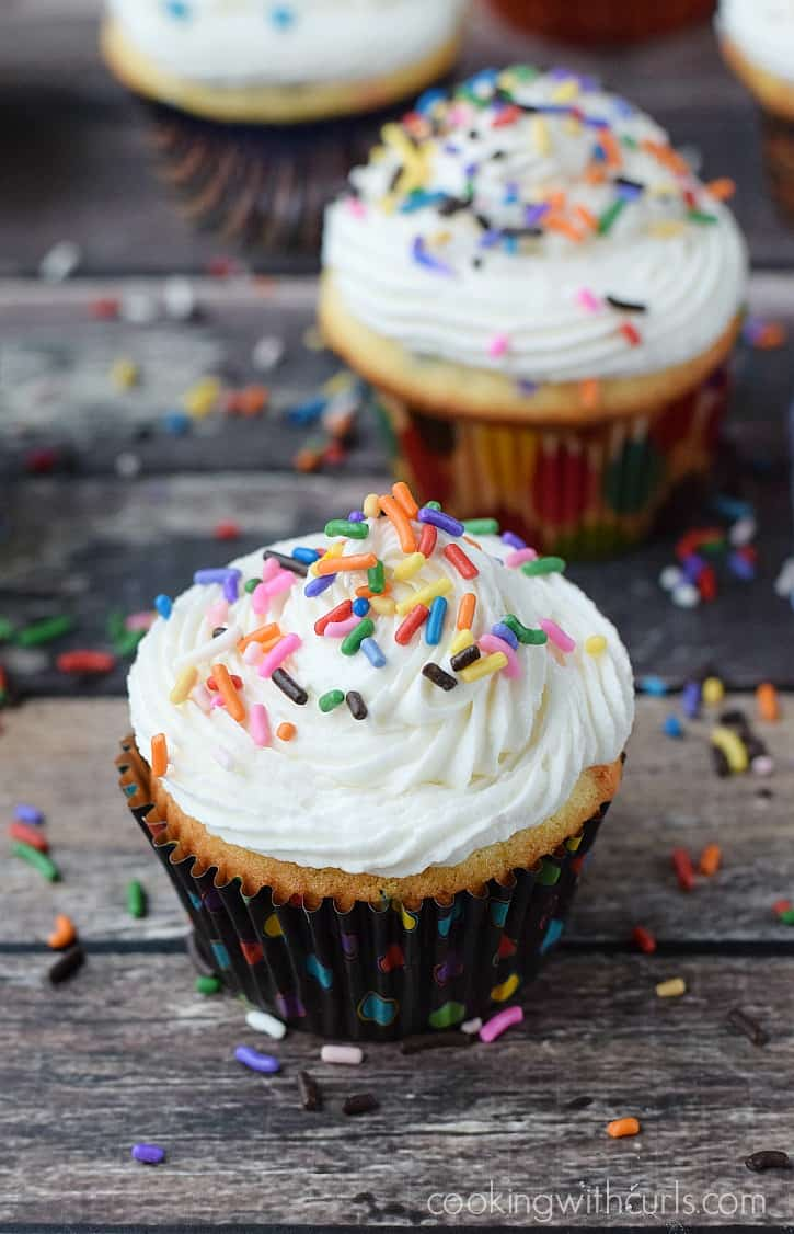Homemade Funfetti Cupcakes | cookingwithcurls.com