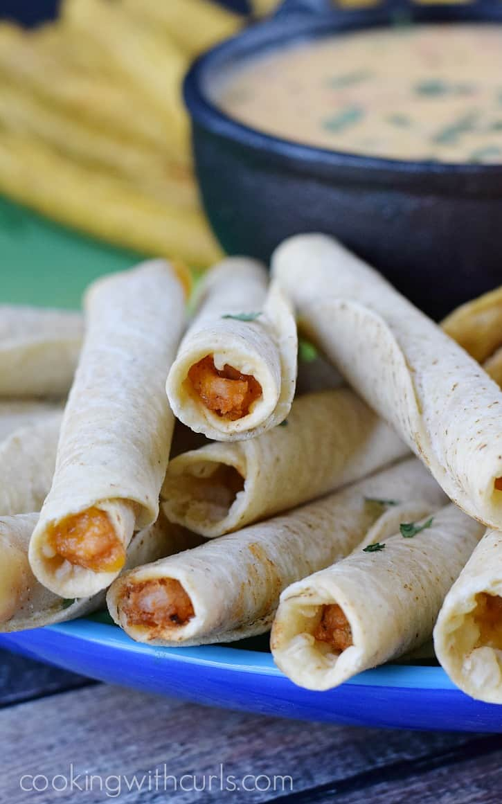 José Olé Chicken & Cheese Taquitos with Homemade Queso Blanco Dip | cookingwithcurls.com #FlavoryourFiesta  #Ad