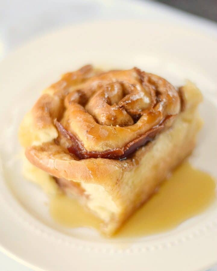 Maple Bacon Cinnamon Rolls fresh from the oven - You're welcome!! cookingwithcurls.com