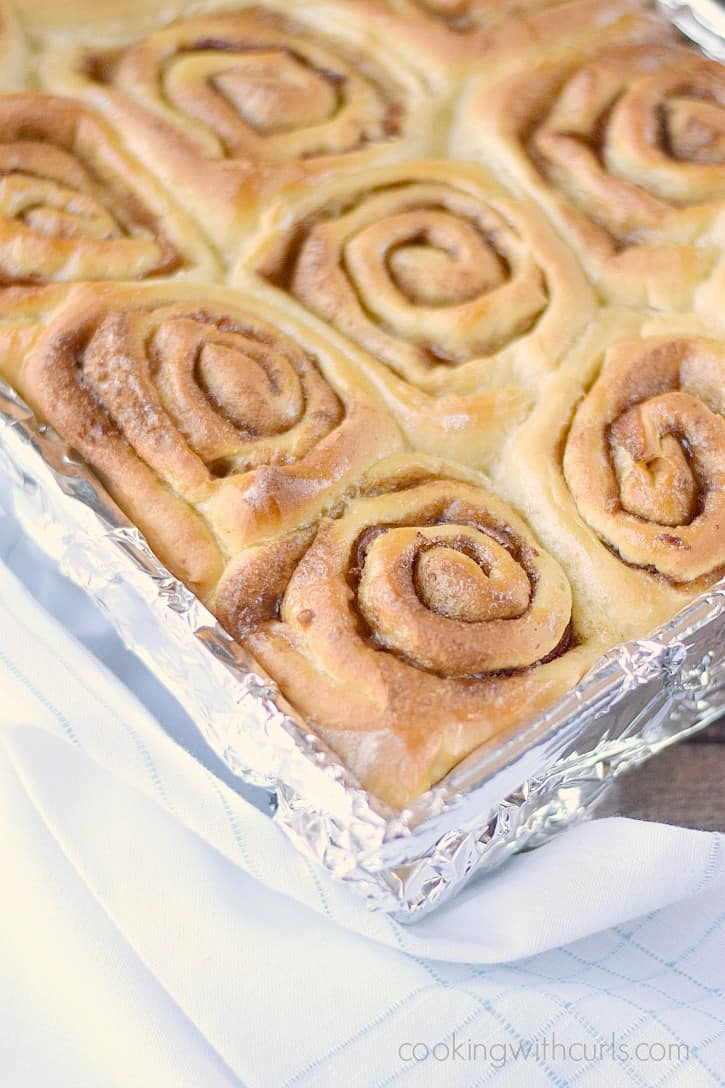 Maple Bacon Cinnamon Rolls fresh from the oven!! cookingwithcurls.com