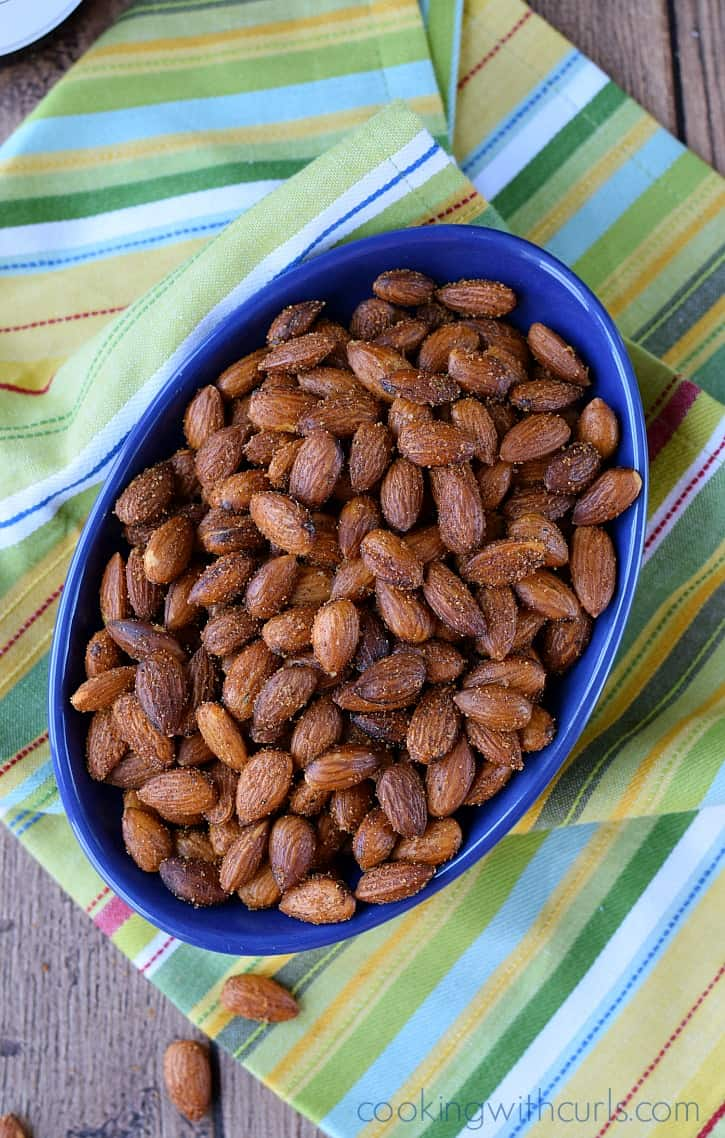 Sweet & Spicy Almonds | cookingwithcurls.com