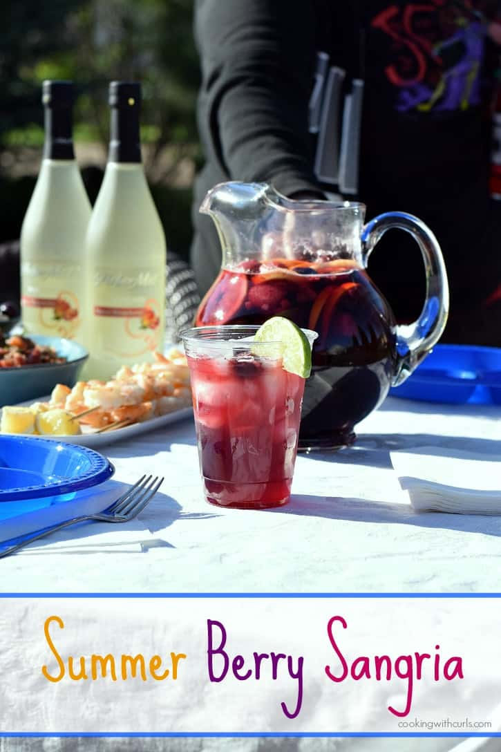 Throw an impromptu tapas party for your friends this summer, featuring Summer Berry Sangria | cookingwithcurls.com #ArborMist #ad #StartSummer