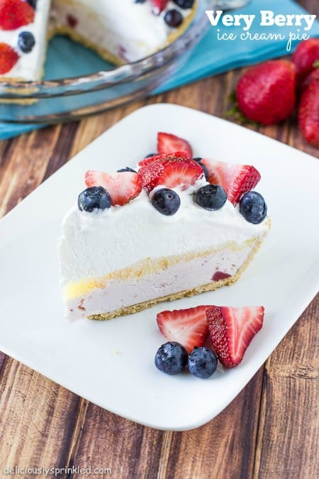Very-Berry-Ice-Cream-Pie-by-deliciouslysprinkled.com_.jpg450
