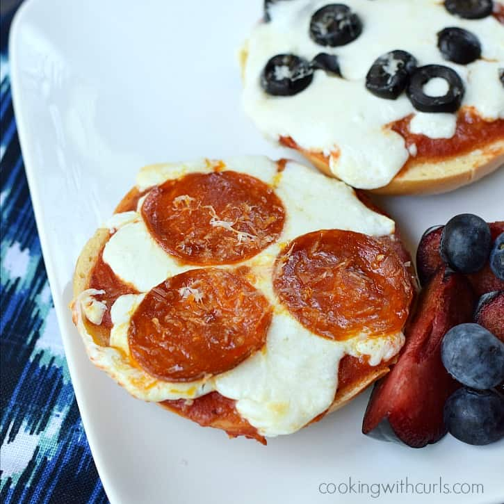 Bagel Pizzas cookingwithcurls.com