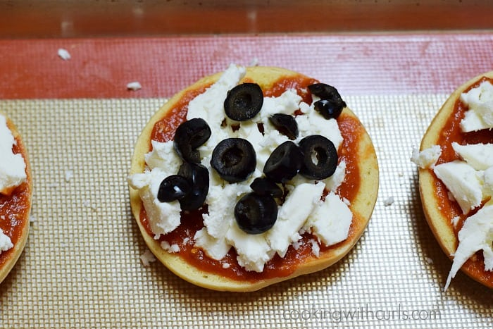 Bagel Pizzas olives cookingwithcurls.com