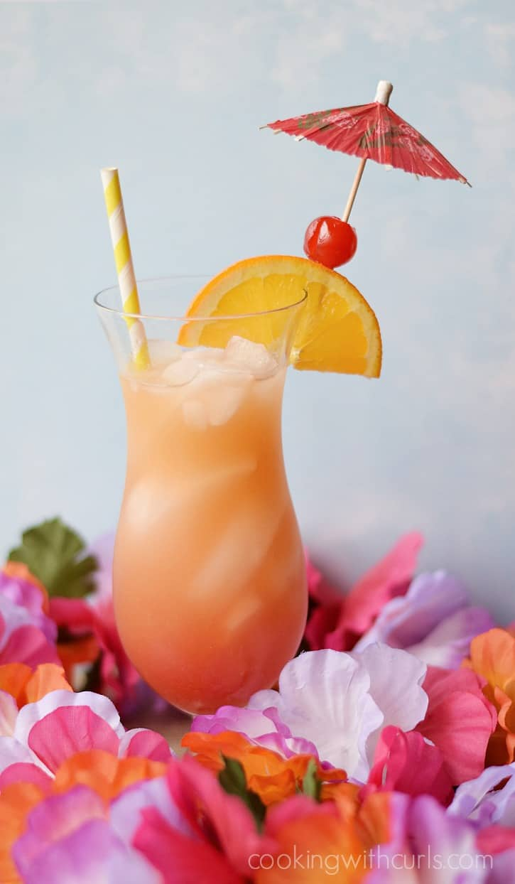 Bahama Mama ::  you're on island time now | cookingwithcurls.com
