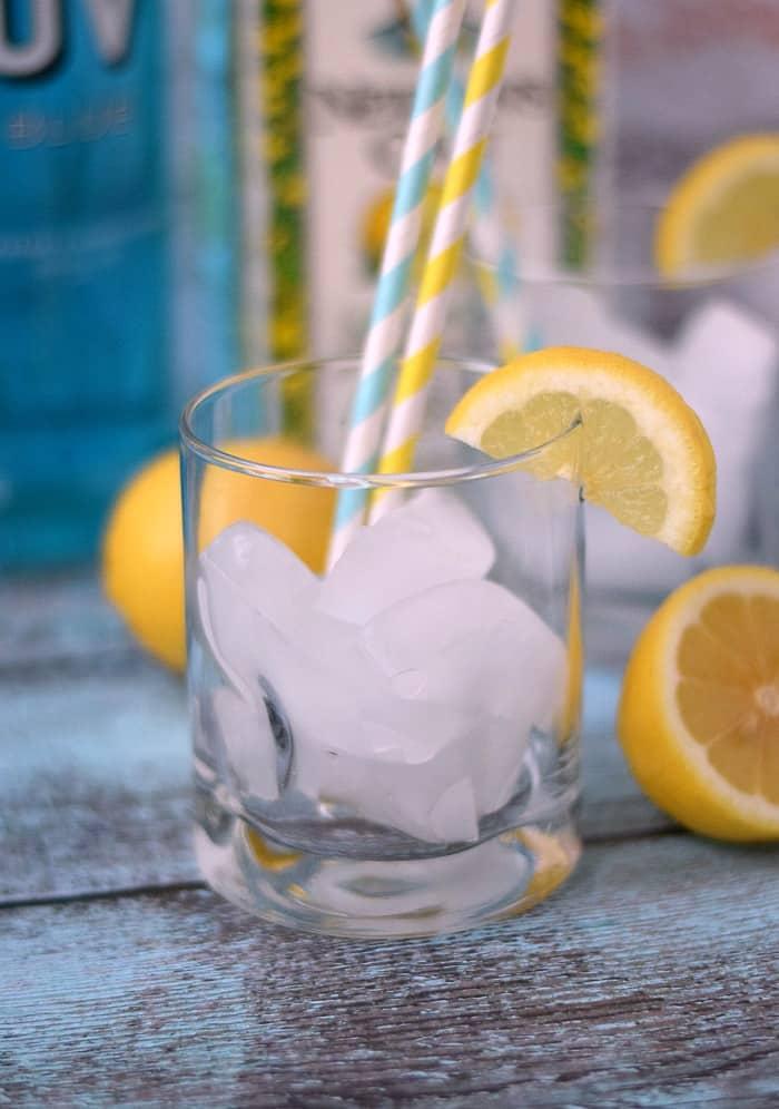 Blue Lemonade cCocktail Ice cookingwithcurls.com