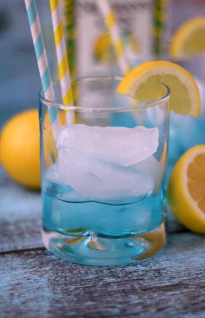 Blue Lemonade Cocktail Vodka cookingwithcurls.com