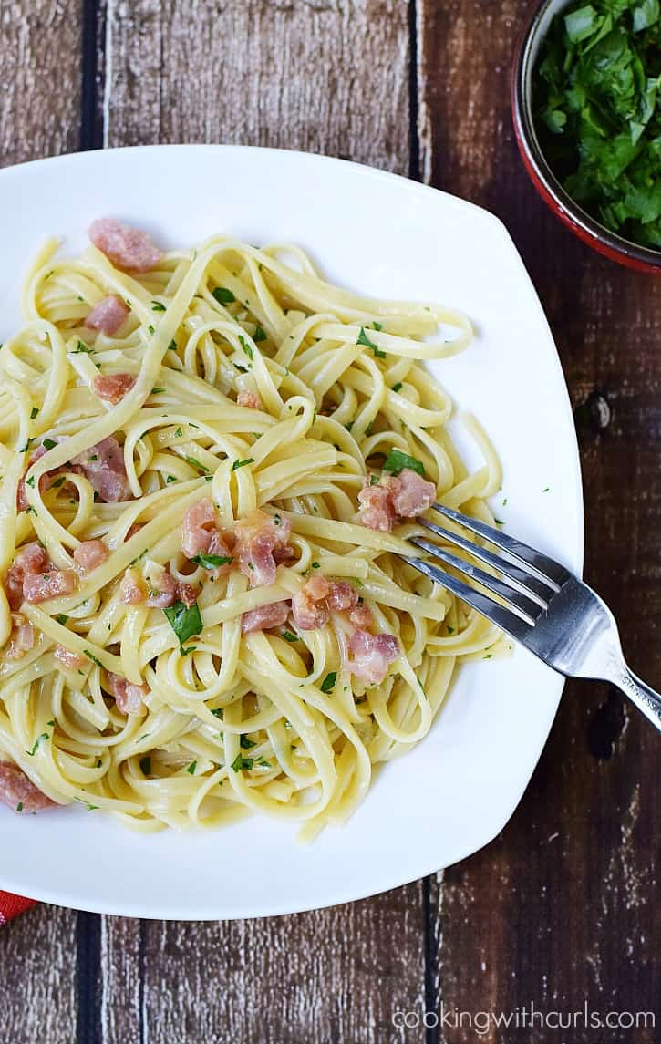 Linguine alla Carbonara Incredibly delicious and super simple to make | cookingwithcurls.com