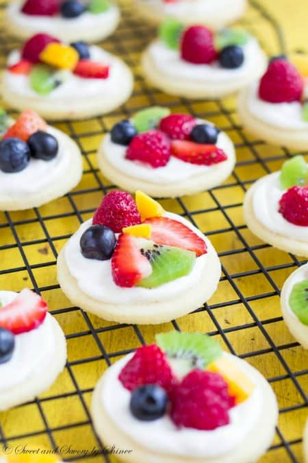 Mini Fruit Pizzas450