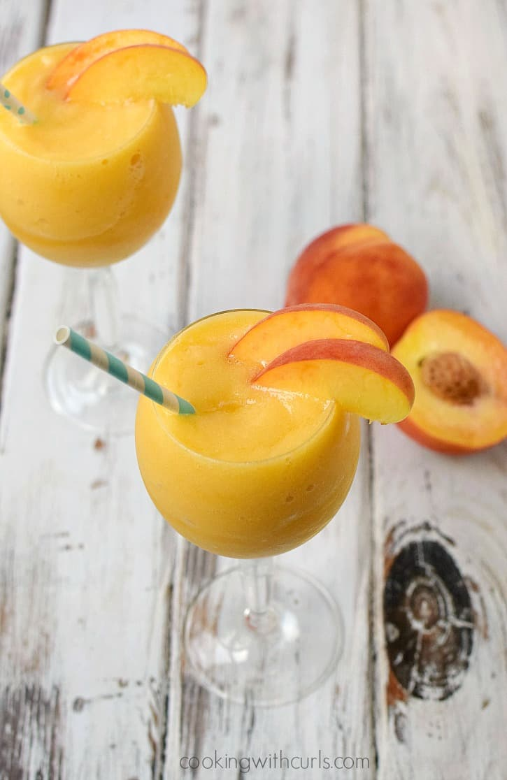 Celebrate sisterhood and friendship with a sweet and sassy Peach Moscato Smoothie cookingwithcurls.com #MiddleSister #DropsofWisdom