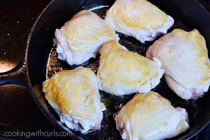 Lemon-Garlic Skillet Chicken with Vegetables brown cookingwithcurls.com