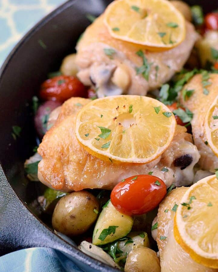 Quick and delicious Lemon-Garlic Skillet Chicken with Vegetables! cookingwithcurls.com
