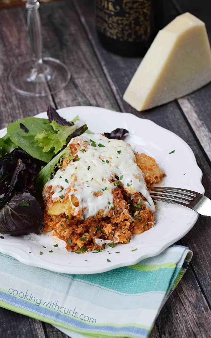 Slow Cooker Lasagna | cookingwithcurls.com