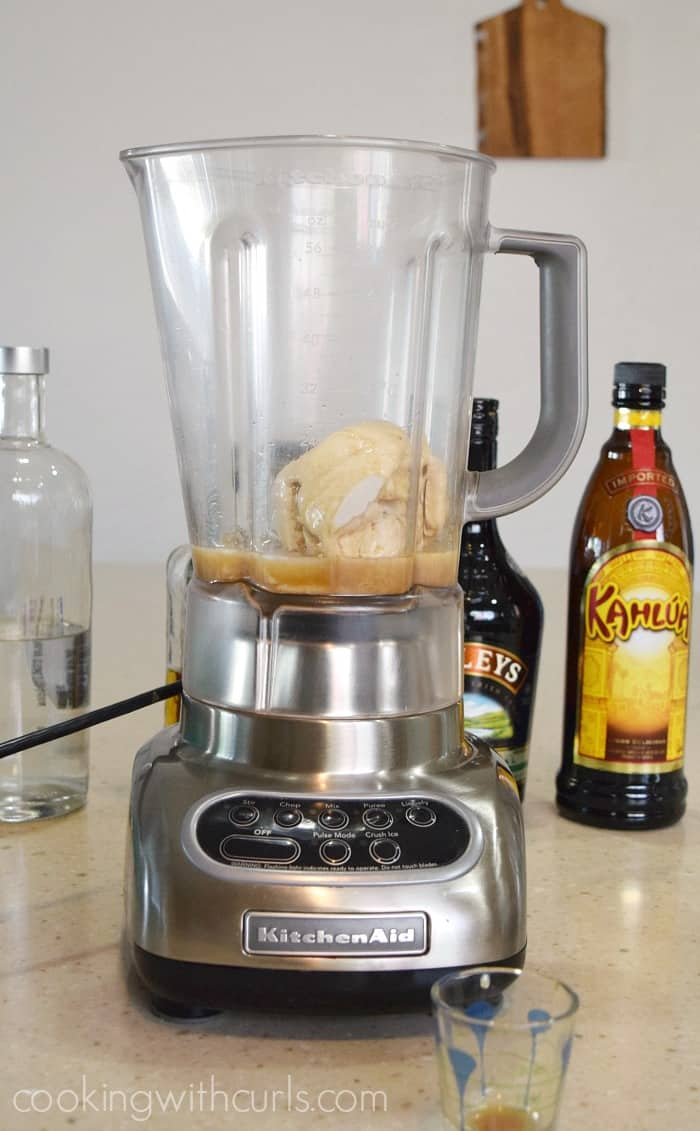 Ice cream and alcohol in a blender cookingwithcurls.com