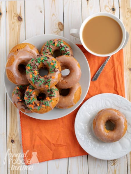 Cinnamon-Glazed-Pumpkin-Buttermilk-Donuts-3