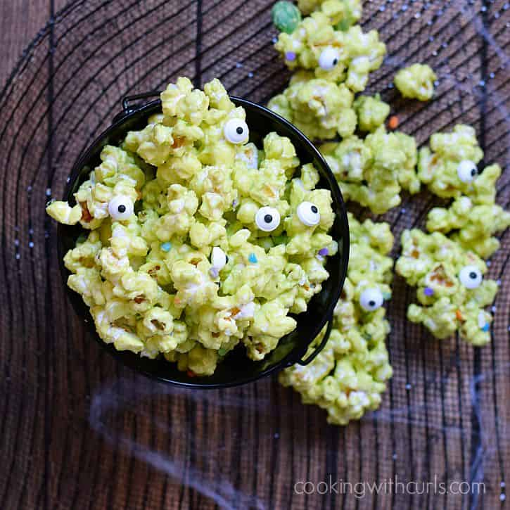 Monster Munch Popcorn | cookingwithcurls.com