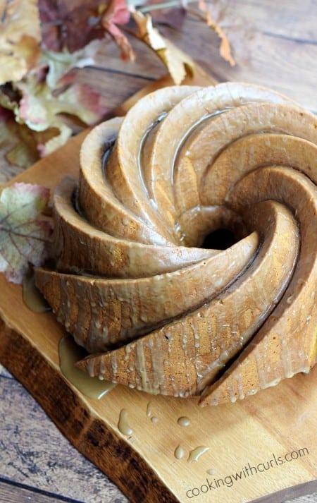 Pumpkintini-Cocktail-Cake-cookingwithcurls.com_