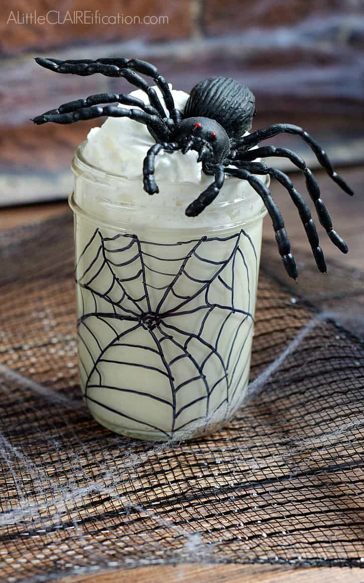 Spider Web White Chocolate Mousse
