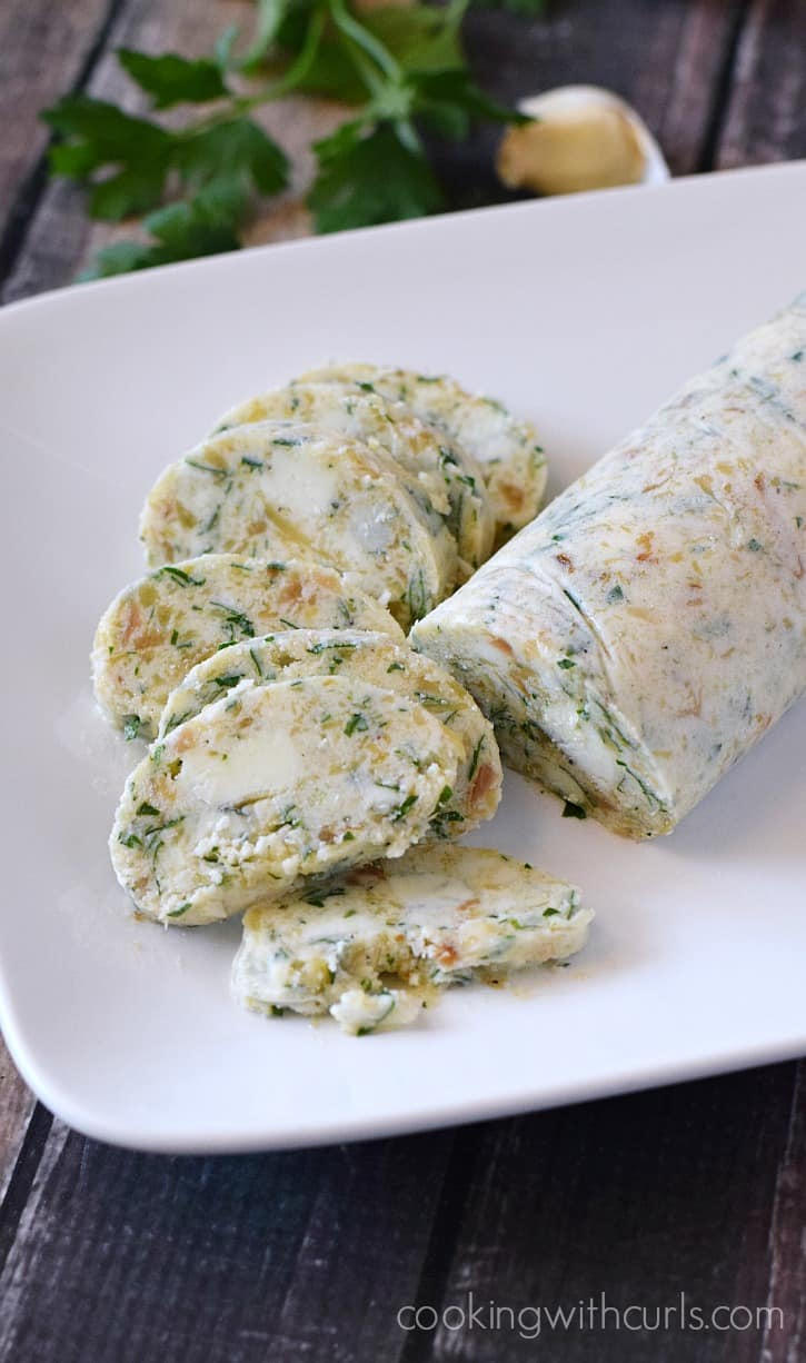 Gorgonzola Butter - perfect on steaks and baked potatoes for a little something extra   cookingwithcurls.com