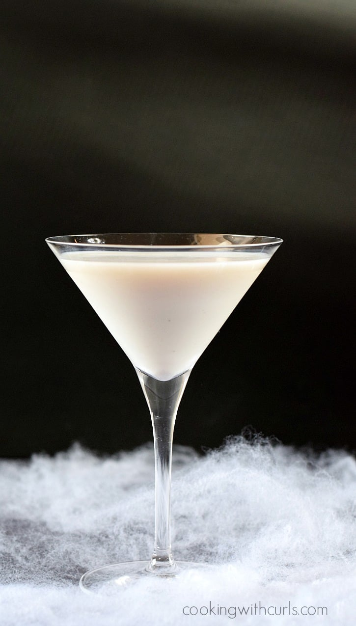 Liquefied Ghost Martini | cookingwithcurls.com