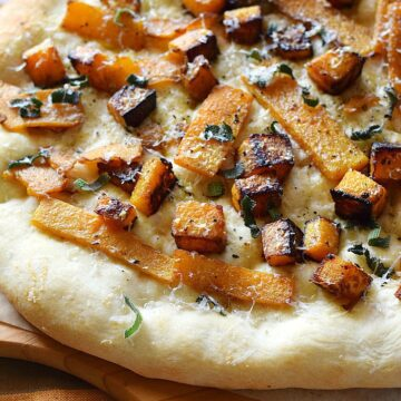 Butternut Squash and Sage Pizza is the perfect way to celebrate Fall!! cookingwithcurls.com