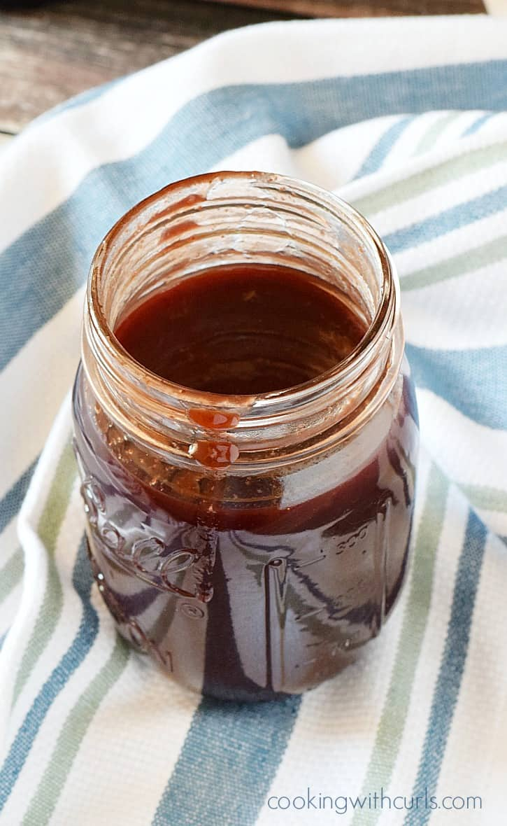 Cabernet Barbecue Sauce for a tangy yet slightly sweet addition to your ribs and steaks | cookingwithcurls.com