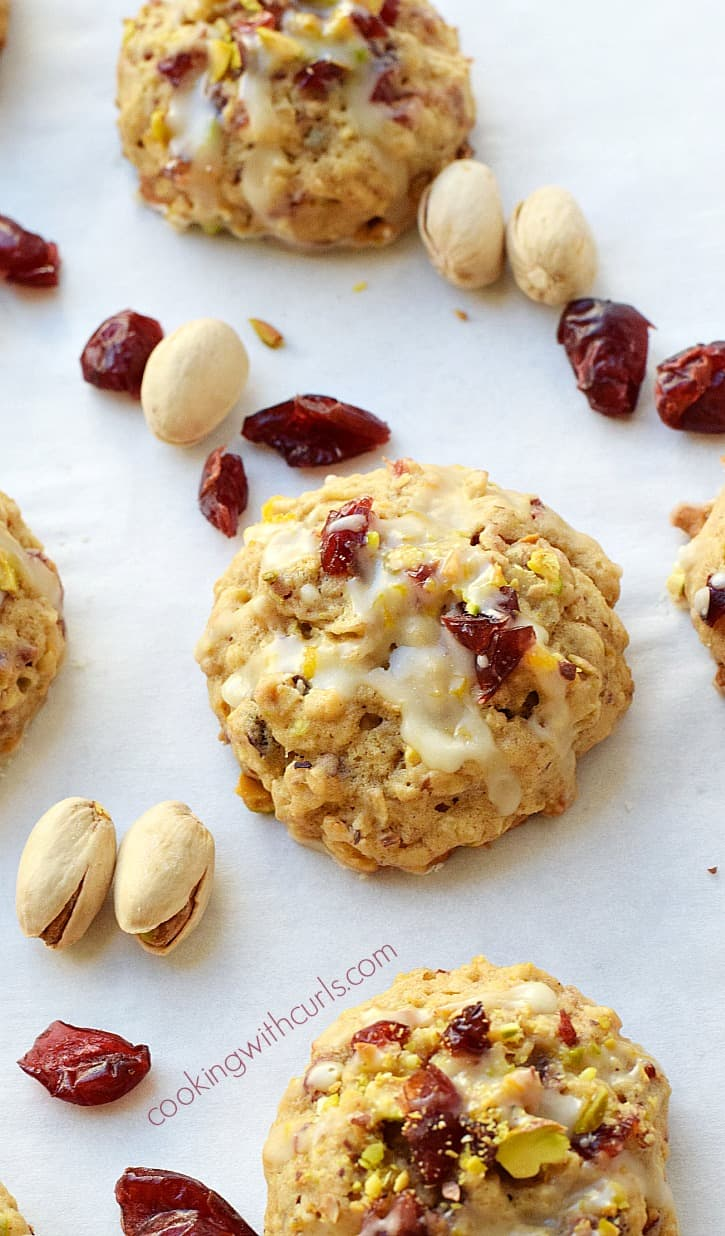 Cranberry Orange Pistachio Cookies | cookingwithcurls.com
