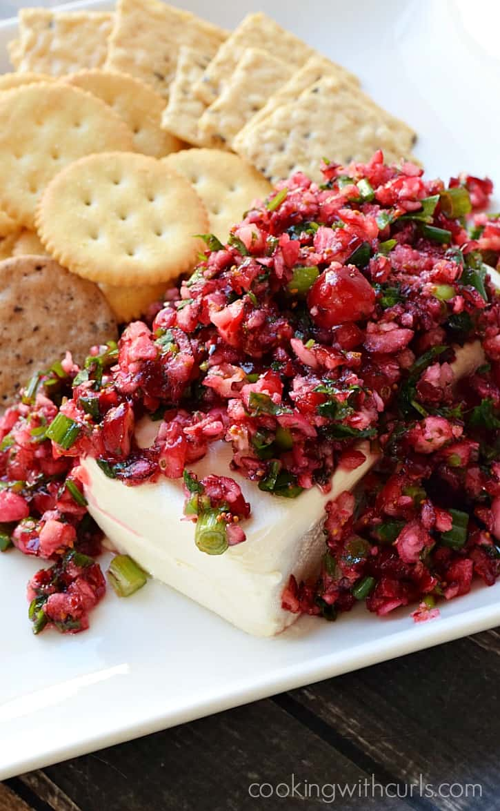 Cranberry Salsa - sweet and tangy with a hint of heat from the jalapenos | cookingwithcurls.com #BeGlorious #CG
