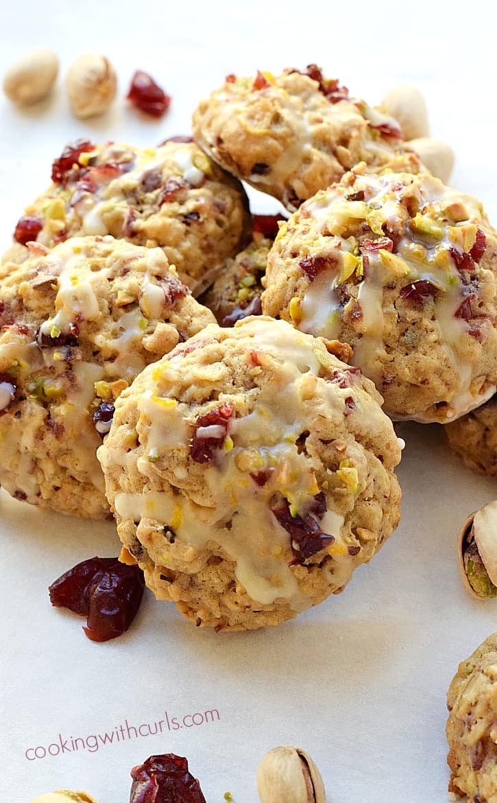 These Cranberry Orange Pistachio Cookies are packed full of flavor and make the perfect treat to share with friends | cookingwithcurls.com