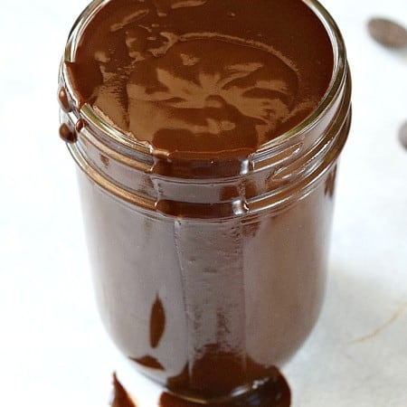 This Hot Fudge Sauce is lactose-free and so, so simple to make | cookingwithcurls.com
