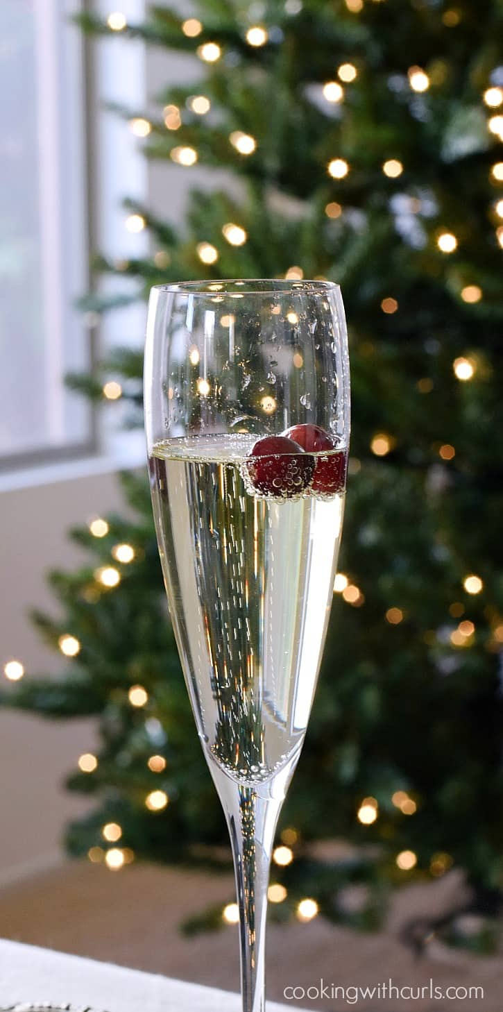Holiday Party with Gloria Ferrer Blanc De Blancs | cookingwithcurls.com #BeGlorious #CG