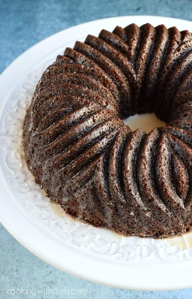 Moist and tender Guinness Gingerbread for the holidays | cookingwithcurls.com