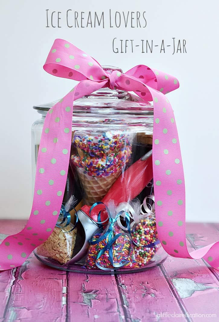 Surprise the ice cream lover in your life with this fun Gift-in-a-Jar for Ice Cream Lovers. - just add ice cream! at alittleclaireification.com