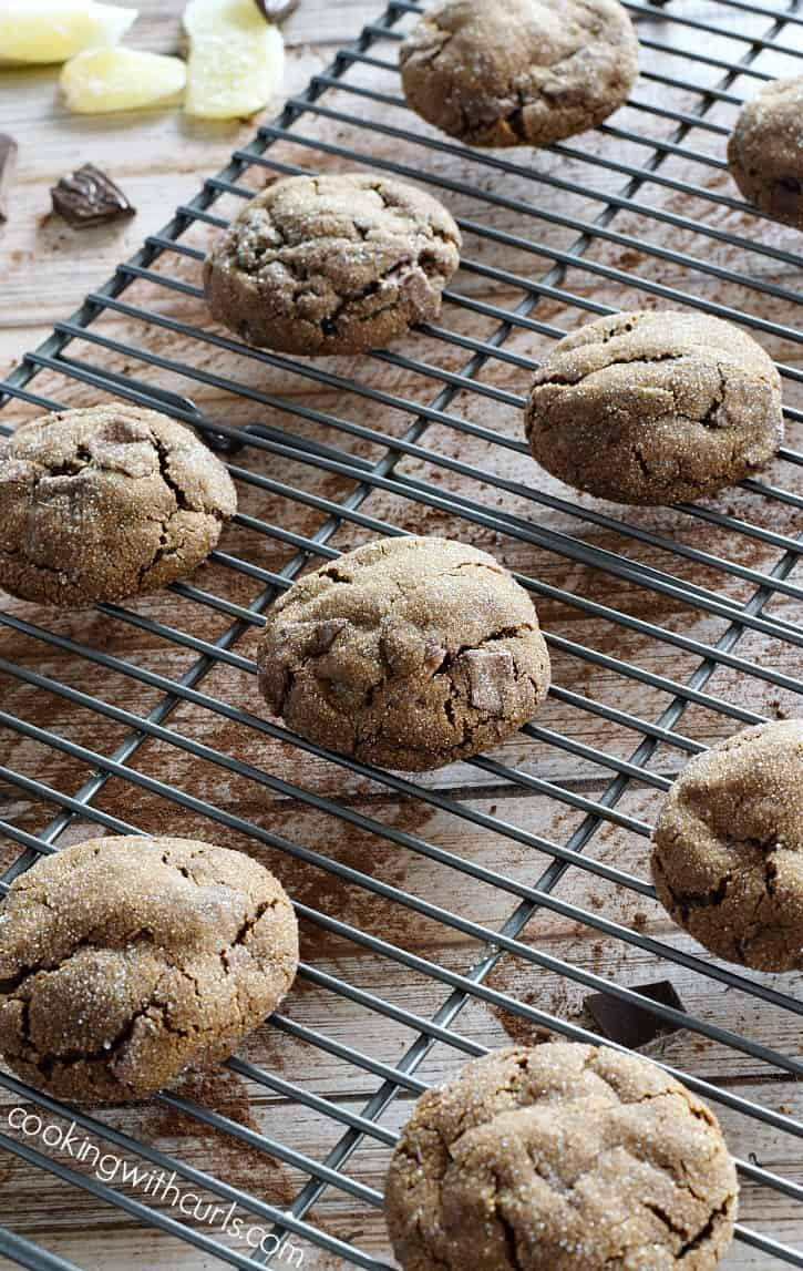 These Triple Ginger Chocolate Chunk Cookies are my new favorite holiday cookie | cookingwithcurls.com
