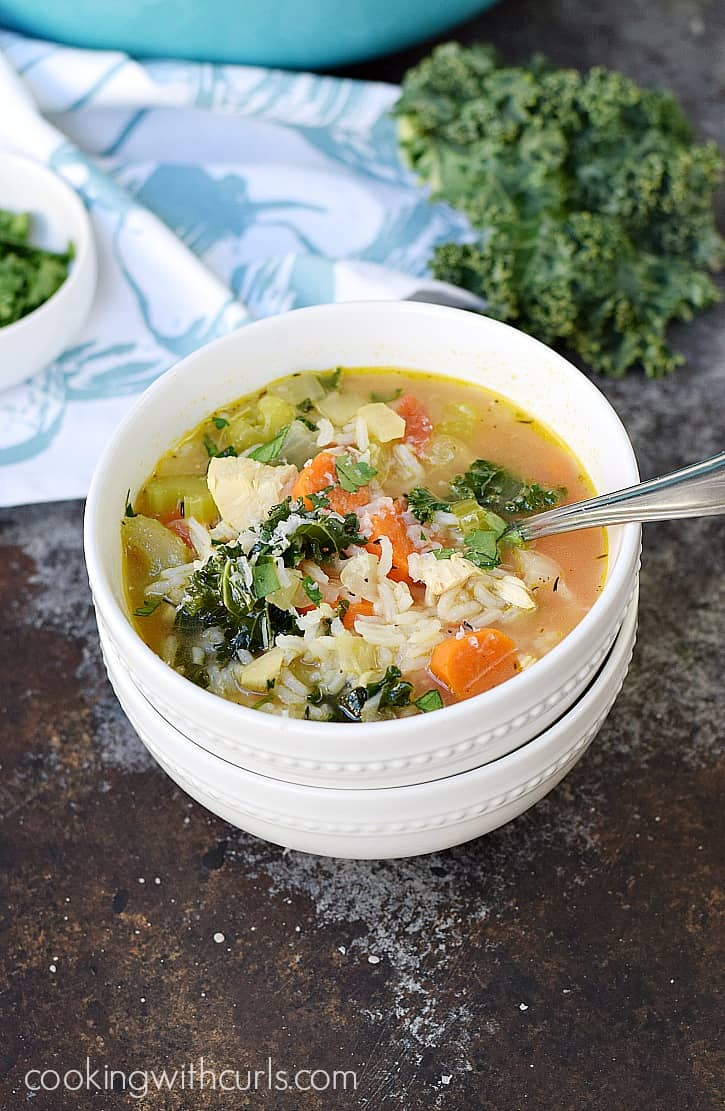 Chicken and Rice Soup with kale and tomatoes for a hearty and healthy winter meal | cookingwithcurls.com