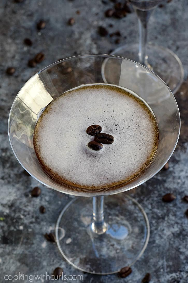 Keep the party going all night with an Espresso Martini | cookingwithcurls.com