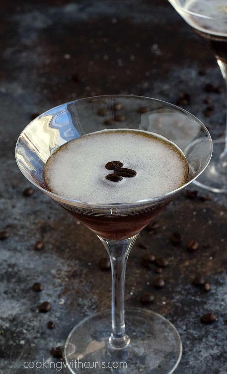 Party all night long with an Espresso Martini | cookingwithcurls.com