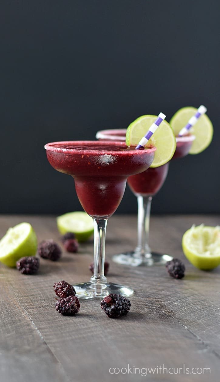Frozen Blackberry Margaritas | cookingwithcurls.com