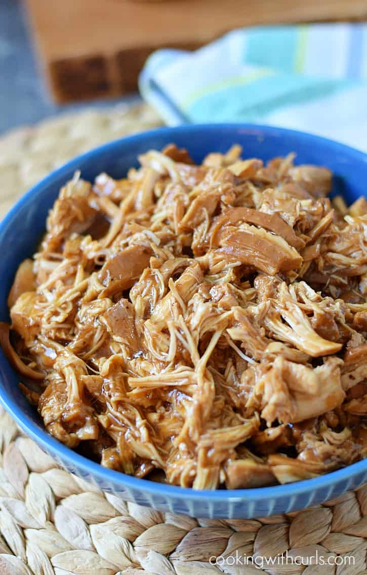 Slow Cooker Shredded Barbecue Chicken | cookingwithcurls.com