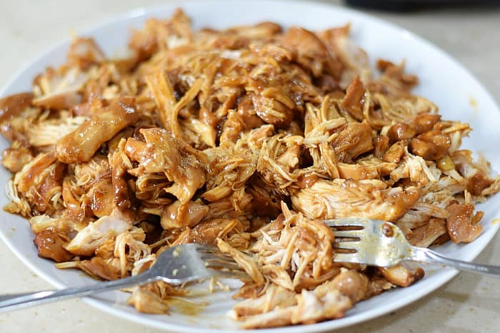 Slow Cooker Shredded Barbecue Chicken shred cookingwithcurls.com