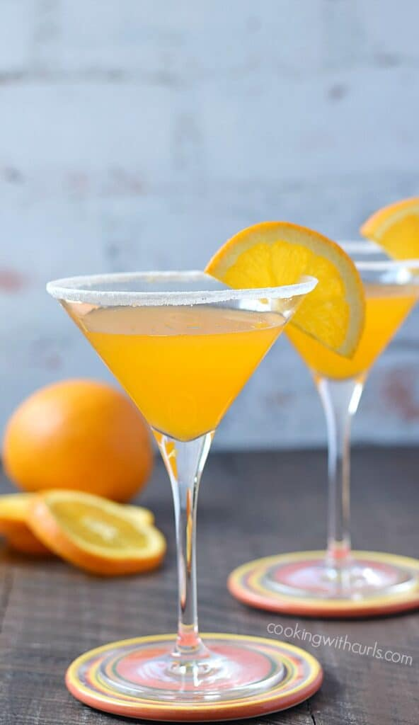 A refreshing Orange Drop Martini is perfect after work or with brunch | cookingwithcurls.com