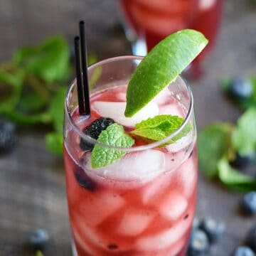 Berry Mojito | cookingwithcurls.com