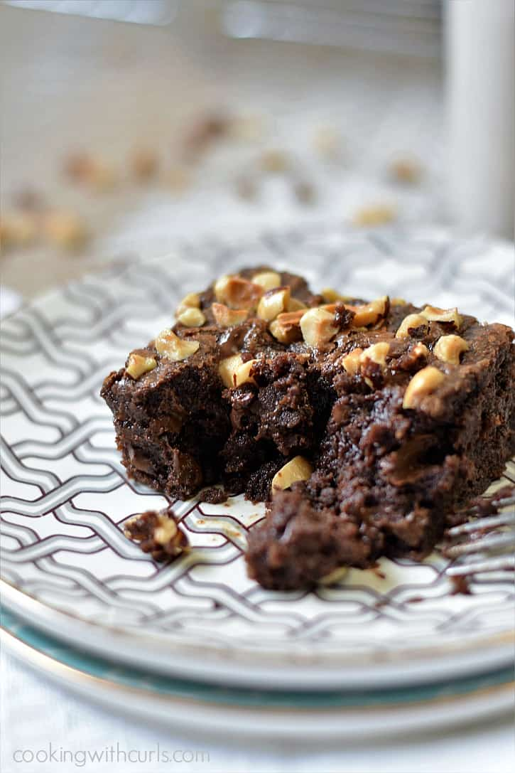 Ooey, gooey, fudgy Hazelnut Brownies are perfect for those chocolate cravings | cookingwithcurls.com