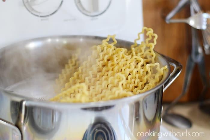 Fusilli al Pomodoro boil cookingwithcurls.com