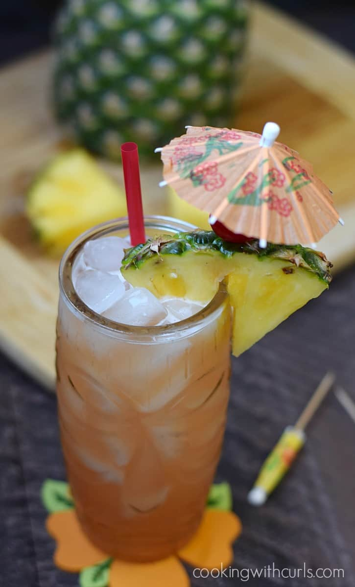 Have a Luau at home with your very own tropical Mai Tai Cocktail | cookingwithcurls.com