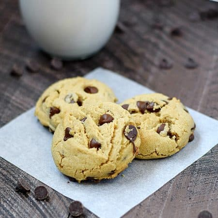 Peanut butter and chocolate come together to create the perfect soft Peanut Butter Chocolate Chip Cookies | cookingwithcurls.com