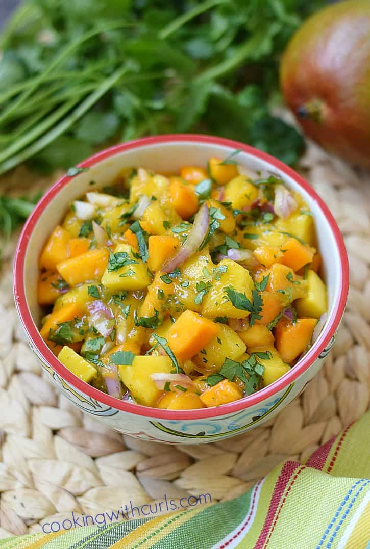 Add some tropical flair to your seafood and tacos with this delicious Papaya Mango Salsa | cookingwithcurls.com