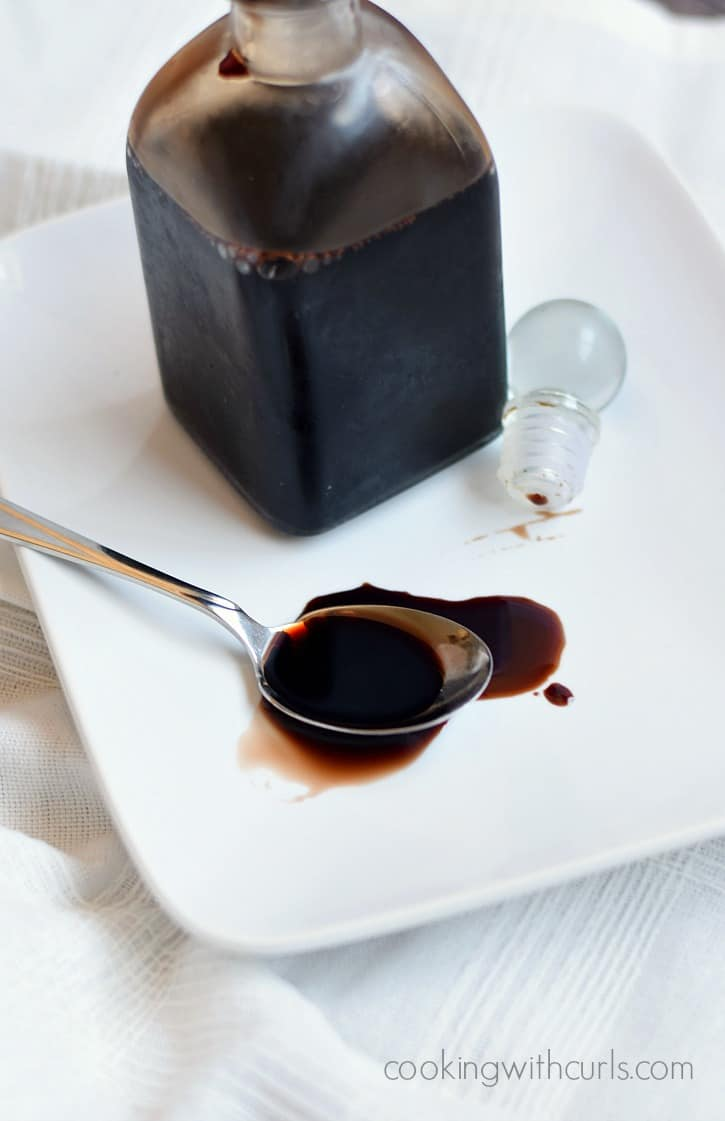 Balsamic Glaze | cookingwithcurls.com